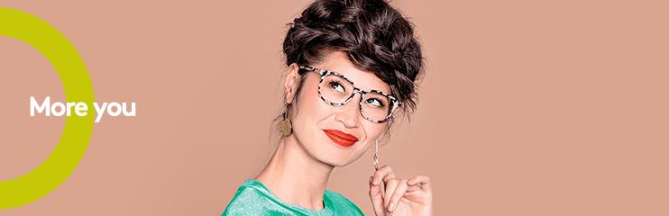 b8d78ea4d7fb5f Waarom vinden we iemand met een bril vaak verleidelijker  - GrandOptical  Blog